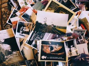 Gebruik foto's als inspiratie maar ook als plaatjes bij het verhaal.